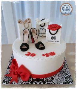 עוגת נעליים ומותגים